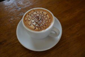 Café hecho por barista